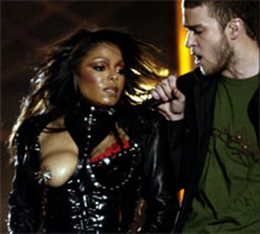 Half miljoen euro boete voor tepel Janet Jackson