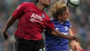Emile Mpenza haalt zijn gram en zwiert ex-club Schalke uit titelkoers