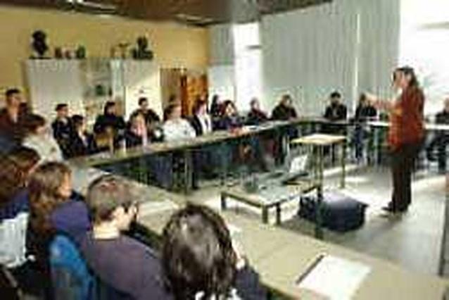 Feministe Kristien Hemmerechts overtuigt leerlingen lyceum