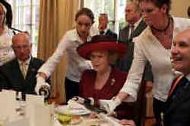 ,,Koningin Beatrix rookt en zuipt als een ketter''