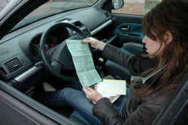 ,,Autoverzekering jonge vrouw wordt fors duurder''