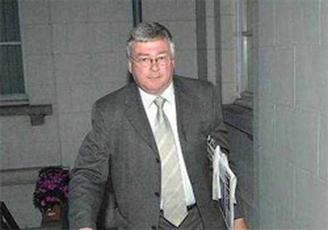 'Benoeming secretaressen Koekelberg onwettelijk'