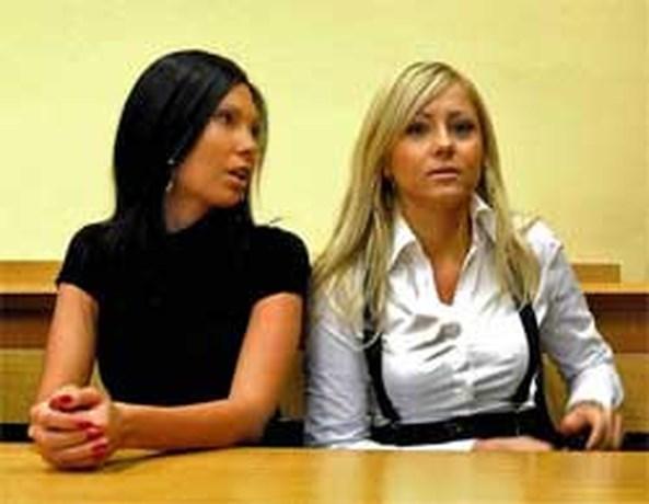 Twee Poolse vrouwen voor de rechtbank wegens topless zonnen
