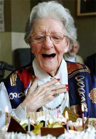 La Esterella wordt 90, maar is nog steeds een grote madame