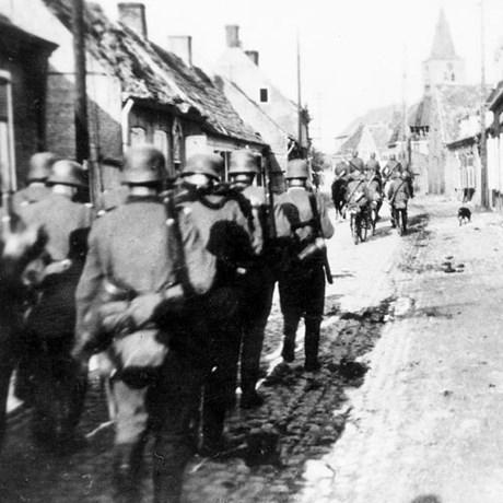 Einde mei 1940 vielen in en rond Deinze bij zware oorlogsgevechten en wraakacties bijna duizend slachtoffers