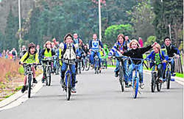 Buurtbewoners in actie voor veilig fietspad