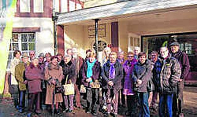 Senioren ontmoeten elkaar in Parkvilla