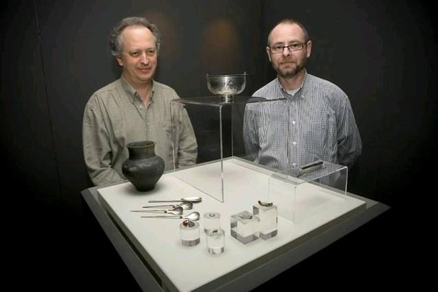Hobbyarcheoloog graaft unieke zilverschat op