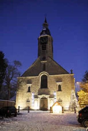 Pastoor verwijdert 'onchristelijke' feestwensen van zijn kerk