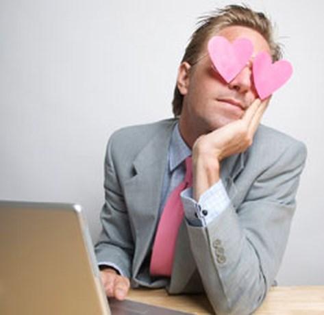 Wat als je verliefd wordt op een collega?