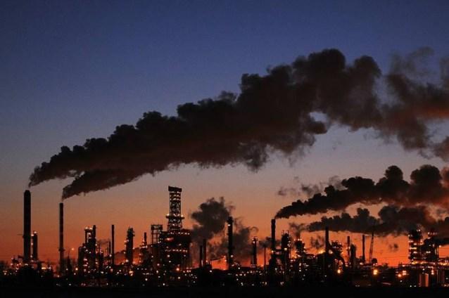 Olieprijs dondert omlaag