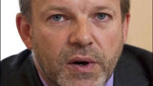 Burgemeester Linkebeek stelt Gordel in vraag na Vlaamse Leeuw bij gemeentehuis