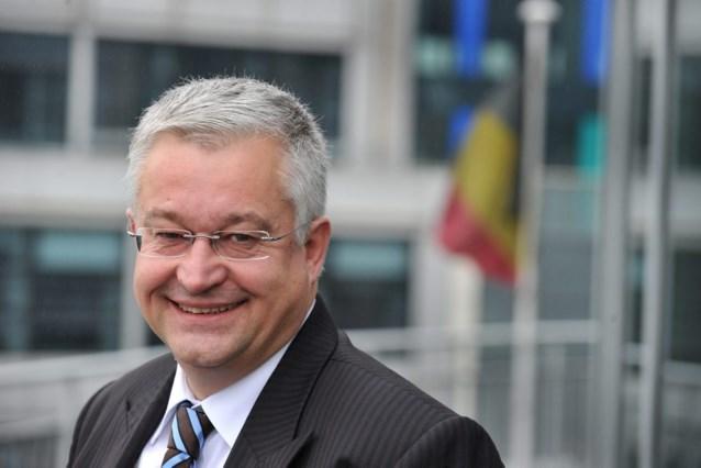 Vanhengel wil met Brussel toch naar begrotingsevenwicht in 2015
