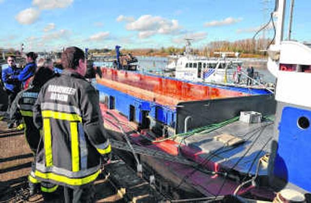 Frans schip slaat lek op Schelde