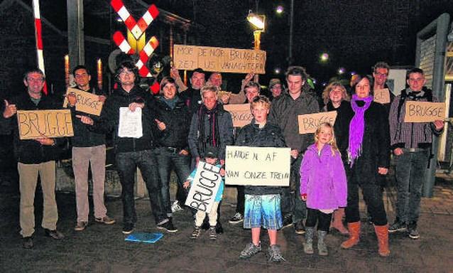 Jongeren protesteren tegen afschaffing treinen