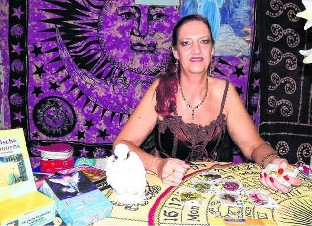 Arianne Viane zoekt contact met de doden