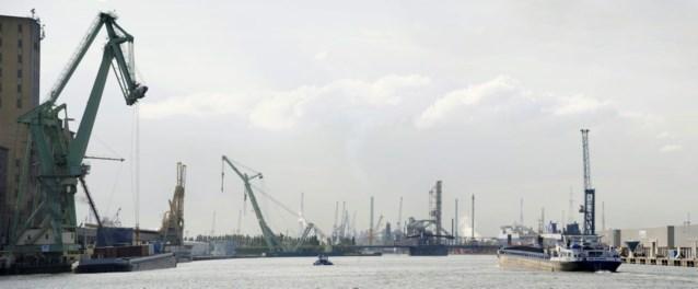 Twee havenarbeiders verpletterd in scheepsruim