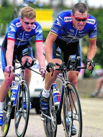 Armstrong wordt al jaren achtervolgd wegens doping