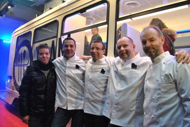 Sterrenchefs serveren diner in rijdende tram