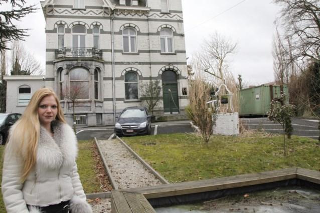 Torhoutse vrouw opent parenclub in kasteel