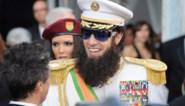 FOTOSPECIAL. 'The Dictator' met brede glimlach op rode loper
