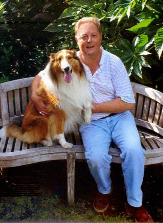 Zanger wurgt beste vriend (82) na politieke ruzie