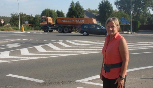 Veilige rotonde op kruispunt Langestraat-N42
