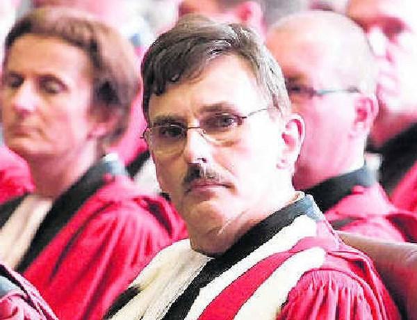 Turtelboom start strafonderzoek tegen procureur-generaal Liégeois