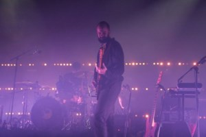 Headliner White Lies zet crammerock in vuur en vlam