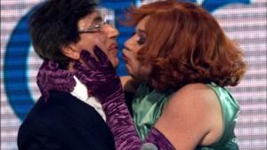 Di Rupo kust Debby en Nancy vol op de mond