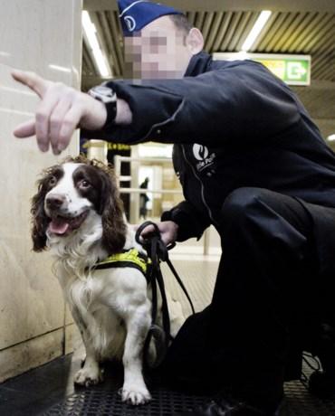 Agent ontsnapt aan schorsing dankzij zijn hond