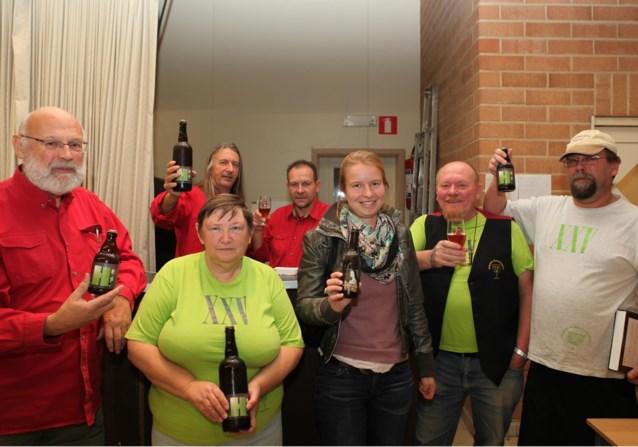 Nieuw goudblond bier voor 25ste Bierfeesten Heikant
