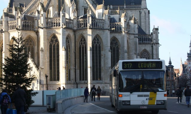 Bussen niet sneller dan 10 km per uur op pleinen