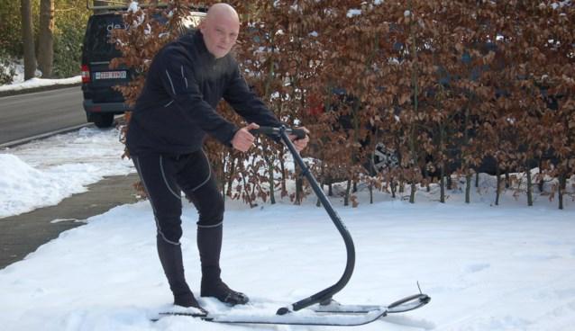 Nieuwe sport: steppen in de sneeuw