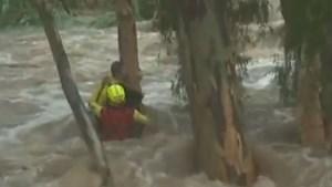 VIDEO. Jongen gered uit overstroming