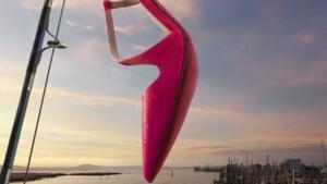 Werk René Magritte inspireert nieuwe reclamecampagne Christian Louboutin