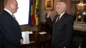 Burgemeester Casteur legt eed af bij gouverneur