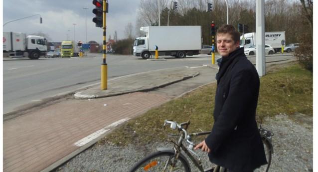 Kruispunt Vlassenbroekbrug nog steeds levensgevaarlijk