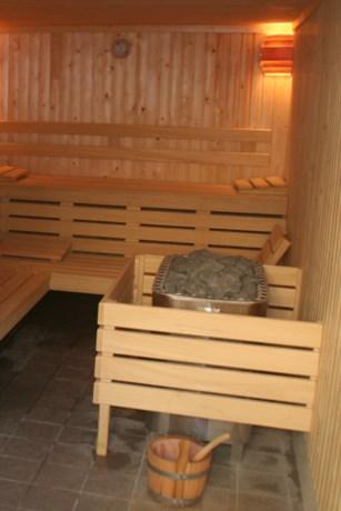 Te dikke vrouw moet Duitse sauna verlaten