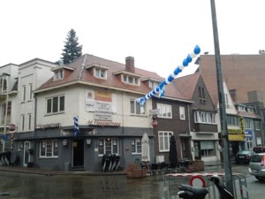 Café 't Hoogseizoen warmt KRC Genk-supporters op