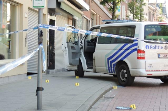 Politie schiet vluchtende inbreker neer