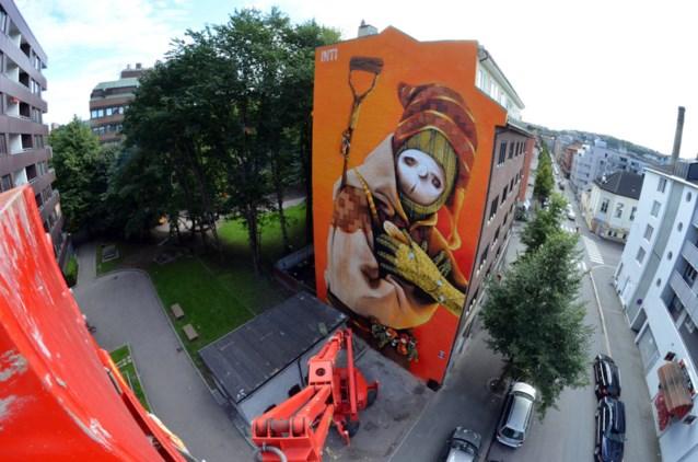Internationale graffiti-kunstenaar bewerkt muren van PXL-Music