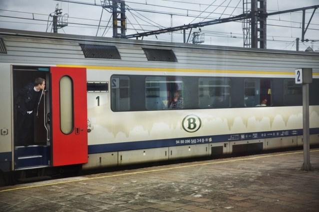 Treinbegeleider in elkaar geslagen op trein tussen Gent en Aalst
