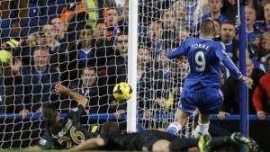 PREMIER LEAGUE. Hazard wint op de valreep van City, Tottenham wint weer door penalty