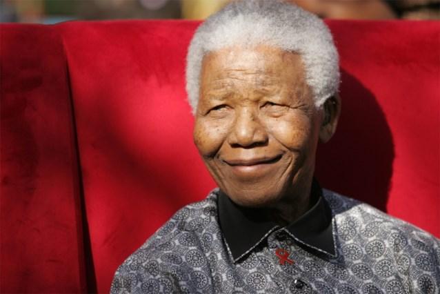 'Mandela voert moedige strijd op zijn sterfbed'