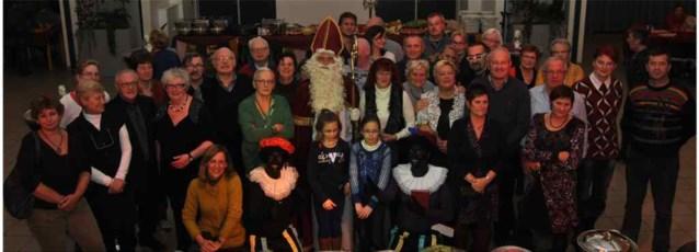 Sinterklaas op bezoek bij vrijwilligers ontmoetingscentra