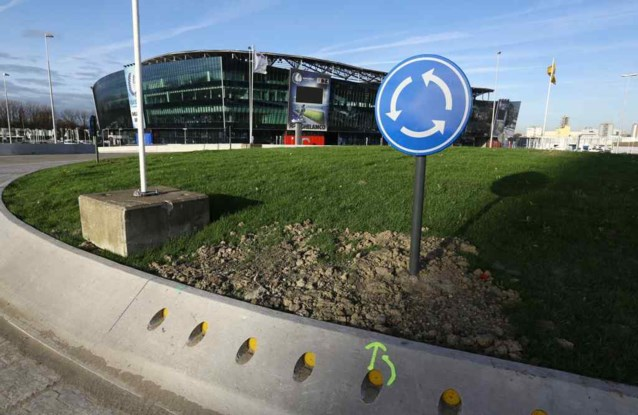 Rotonde aan Ghelamco Arena is klaar,  maar gaat voorlopig niet open