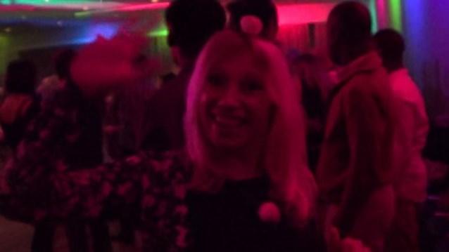 VIDEO: Enciende Hat Party in Schilde