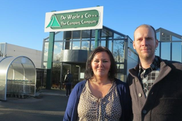 Bruno en Tamara, de nieuwe uitbaters van kampeerwinkel De Waele