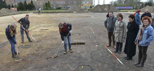 Archeologen ontdekken middeleeuwse boerderij aan psychiatrisch ziekenhuis